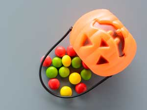 10 Awesome Candy-free Halloween Treats